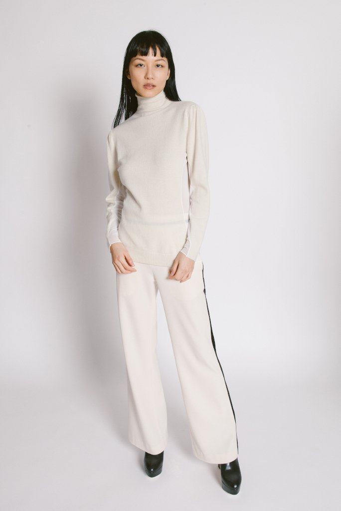 Side Turtleneck Sweater Ivory - whoami
