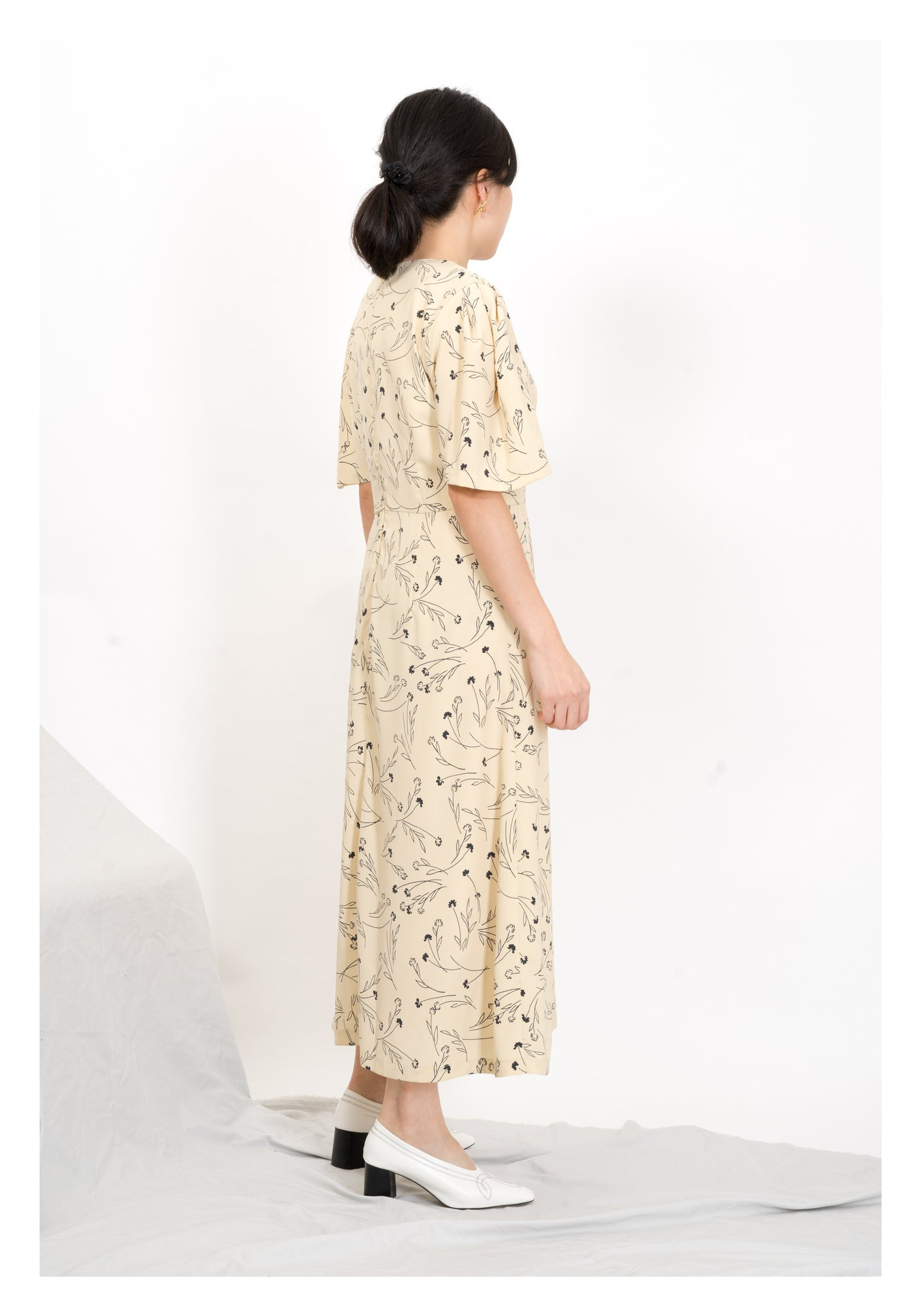 Simple Flower Drawing Dress Yellow - whoami