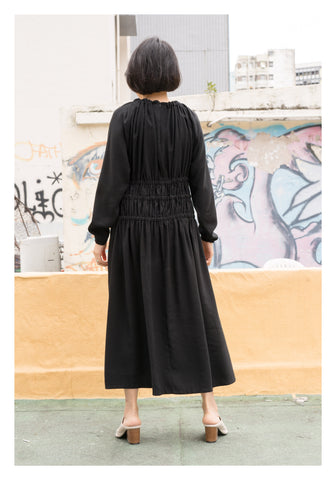 Slim Cut Shirring Dress Black - whoami