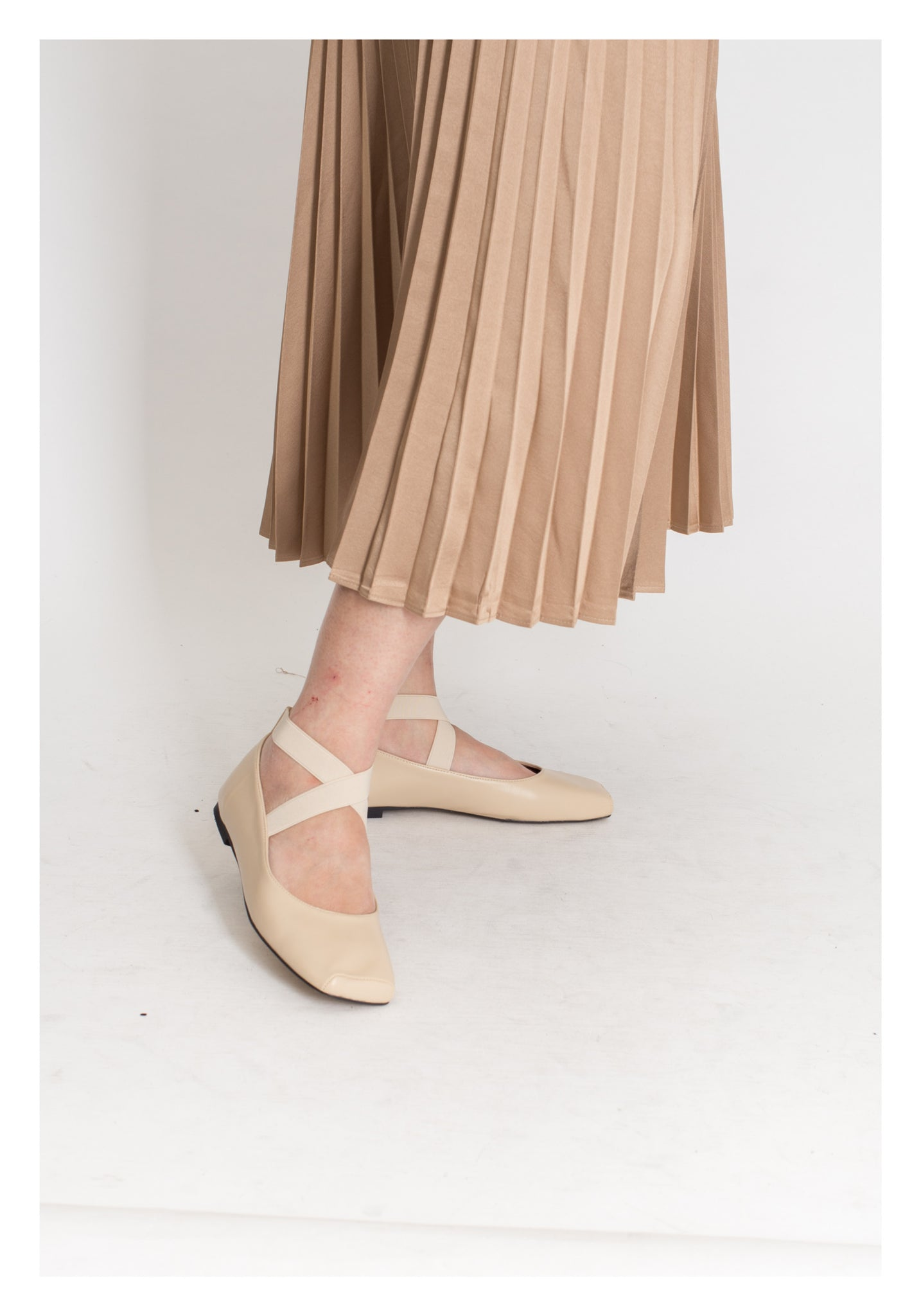 Square Head Ballet Shoes Beige - whoami