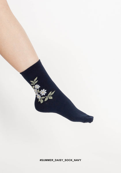 Summer Daisy Sock Navy - whoami