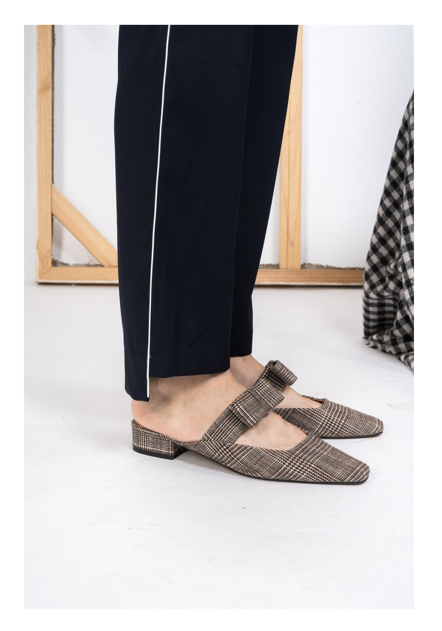 Flat Bow Mules Wool