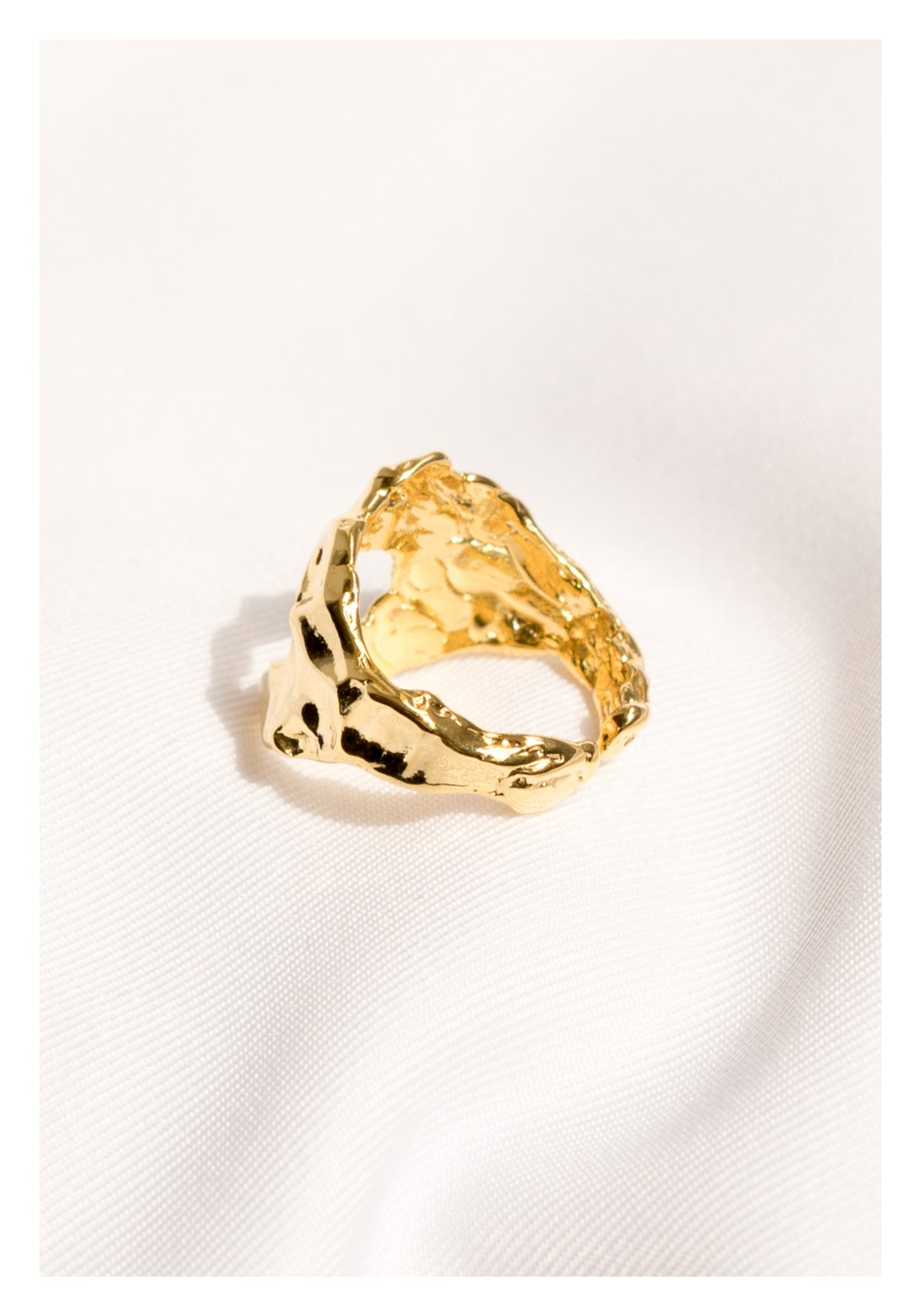 Textured Hollow Ring Gold - whoami