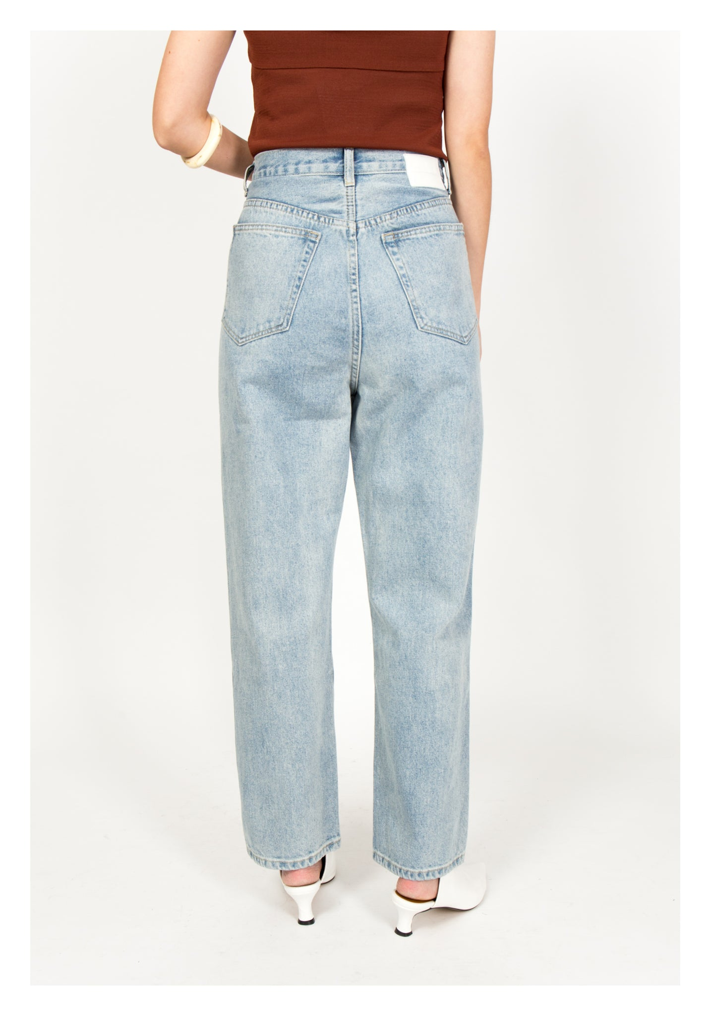 Two Buttons Stepped Jeans