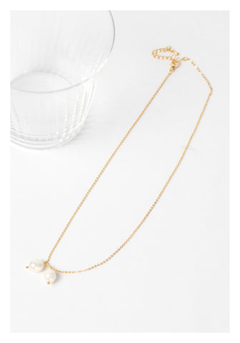 Two Dripping Pearl Necklace Gold