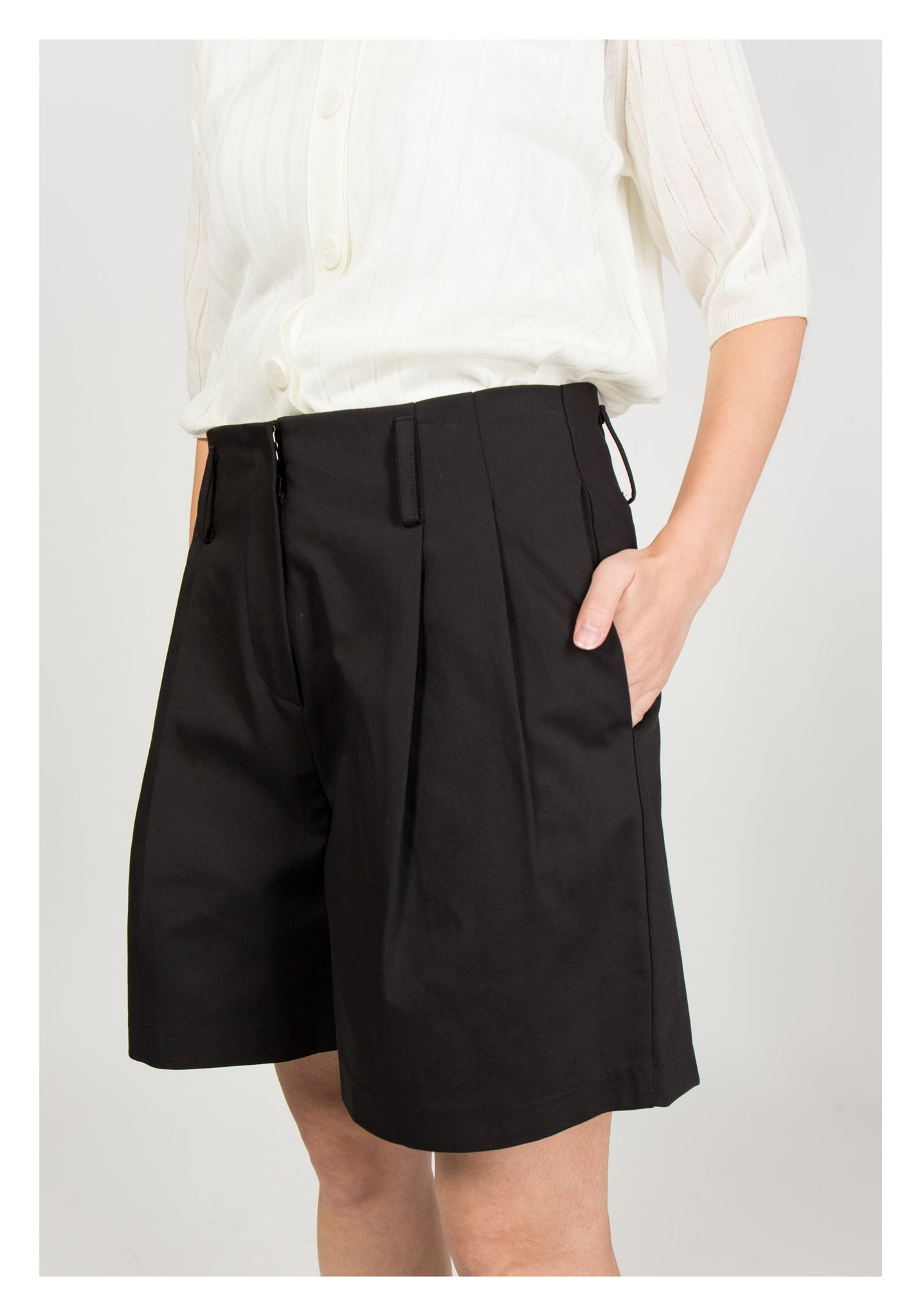 Two Folds Shorts Black