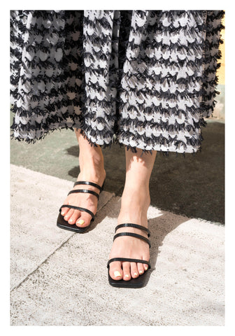 Thin Straps Sandals Black - whoami