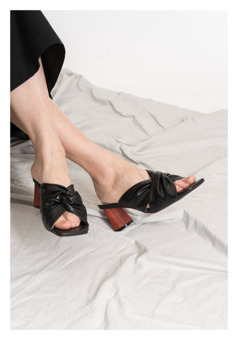 Twisted Wooden Heels Sandal Black - whoami