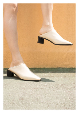 Two Ways Triangular Heels Mules Ivory - whoami