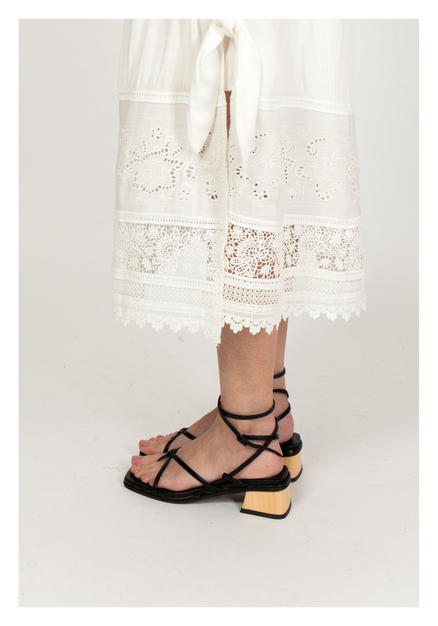 Wooden String Sandals Black
