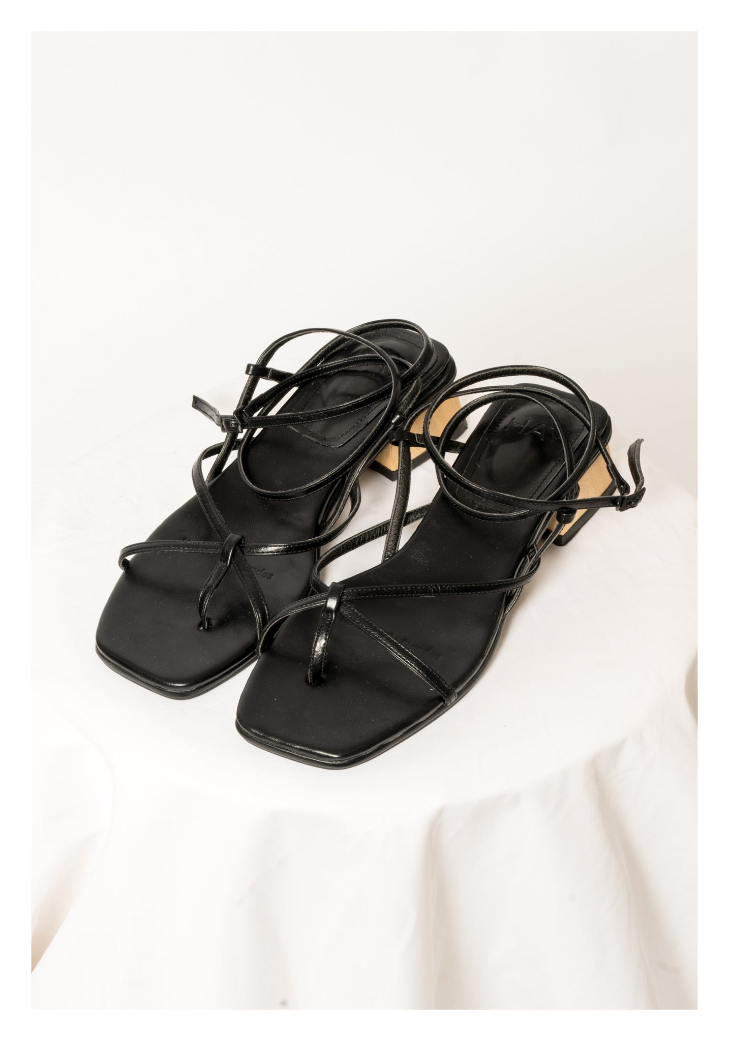 Wooden String Sandals Black - whoami