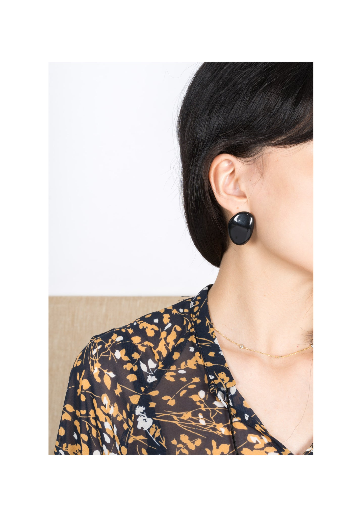 Resin Stone Earrings Black - whoami