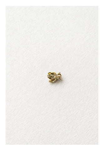Bee Pin - whoami