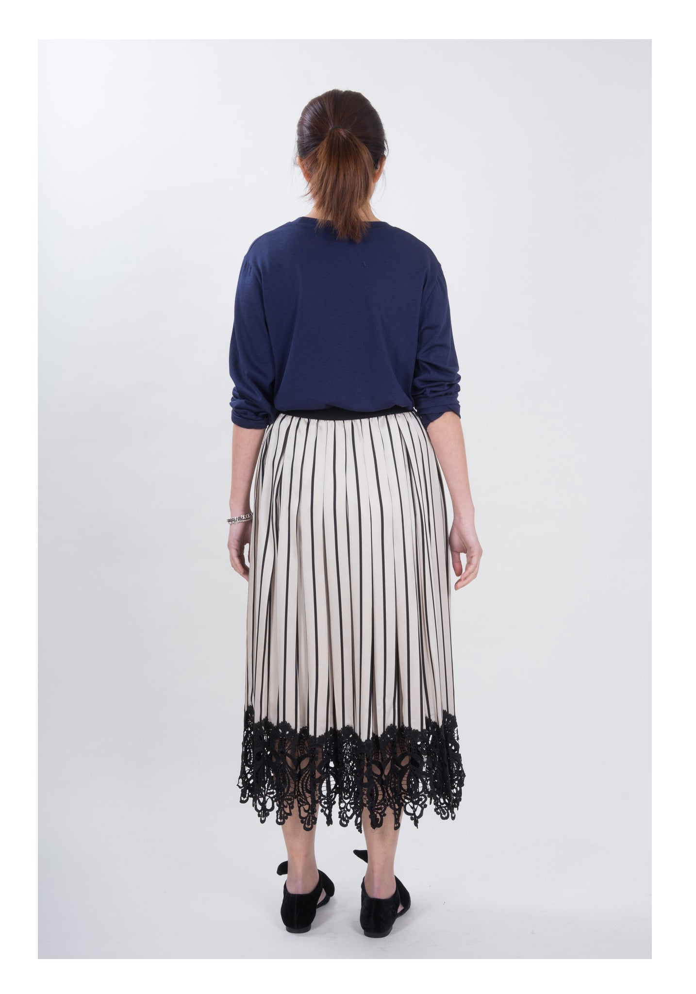 Lace Hem Pleated Skirt