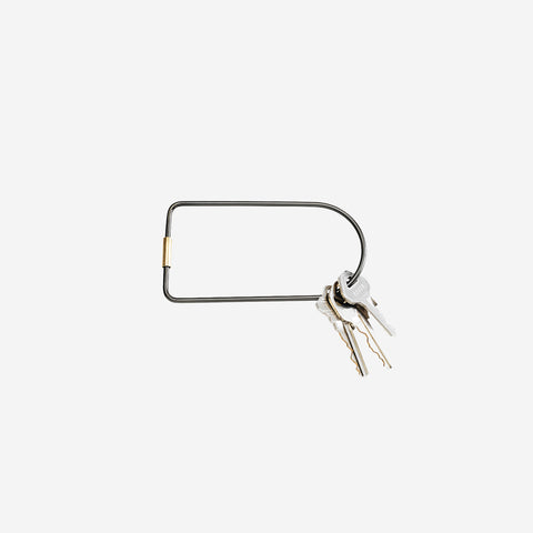 SIMPLE FORM. - Areaware - Contour Keyring Black Bend - Keyring