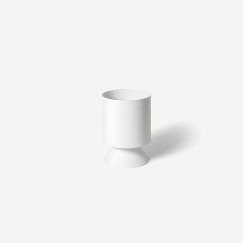 SIMPLE FORM.-Lightly Palm Springs Small White Planter Planter