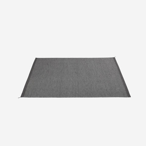 SIMPLE FORM. - Muuto - Ply Rug Dark Grey - Rug