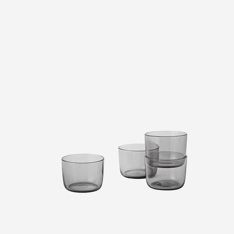 SIMPLE FORM. - Muuto - Corky Drinking Glasses Grey Low - Cups & Mugs