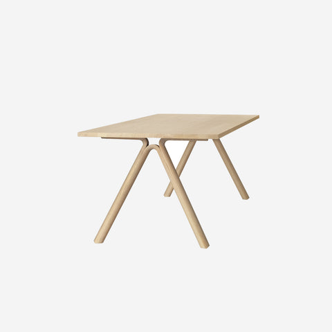 SIMPLE FORM.-Muuto Split Table Oak Table