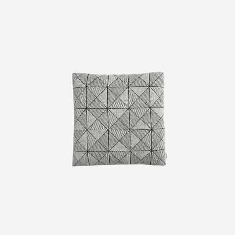 SIMPLE FORM. - Muuto - Tile Cushion Black White - Cushion