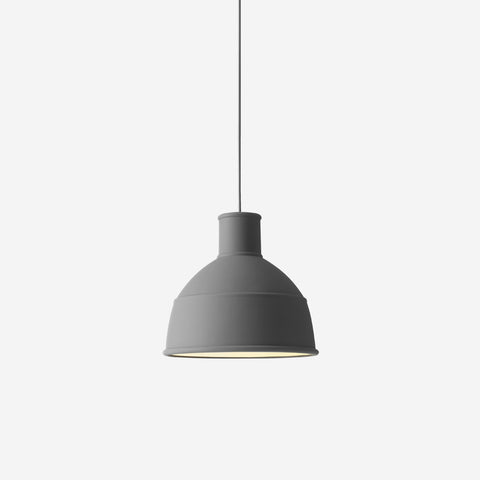 SIMPLE FORM. - Muuto - Unfold Pendant Dark Grey - Pendant
