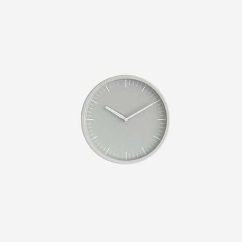 SIMPLE FORM. - Normann Copenhagen - Day Wall Clock Light Grey - Clock