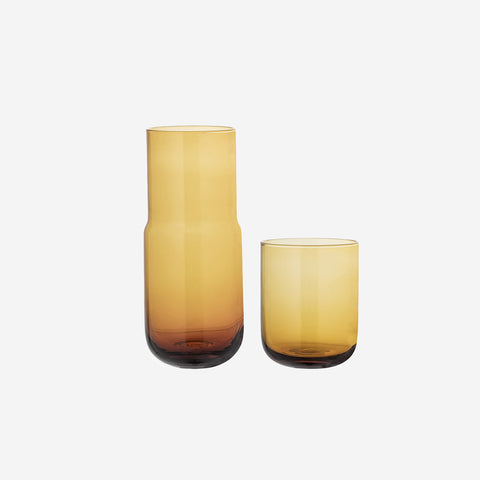 Bloomingville - Bloomingville Carafe + Glass Set Brown Amber - Carafe  SIMPLE FORM.