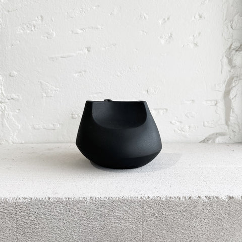 Buzzby and Fang - Buzzby & Fang Black Iridium Vase - Vase  SIMPLE FORM.