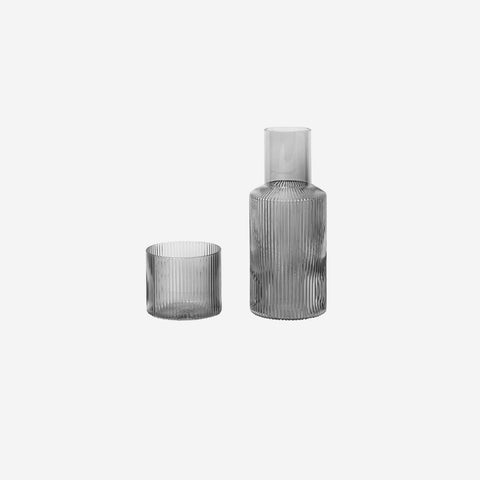 Ferm Living - Ferm Living Ripple Carafe Set Small Smoke - Glasses  SIMPLE FORM.