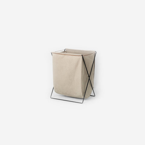 Ferm Living - Ferm Living Herman Laundry Stand Black - Laundry Hamper  SIMPLE FORM.
