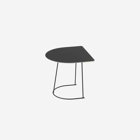 SIMPLE FORM. - Muuto - Airy Coffee Table Half Black by Muuto - Coffee Table