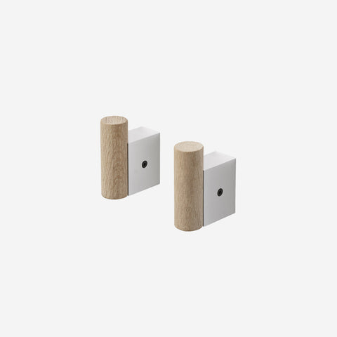 SIMPLE FORM. - Muuto - Attach Coat Hook Oak Aluminium by Muuto - Hook