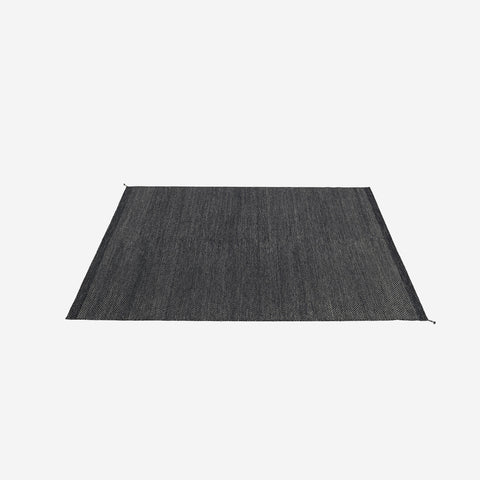 SIMPLE FORM. - Muuto - Ply Rug Midnight Blue - Rug