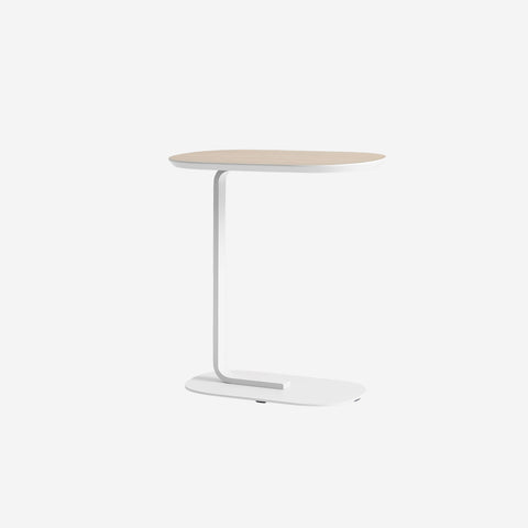SIMPLE FORM. - Muuto - Relate Side Table Oak/Off-White by Muuto - Table