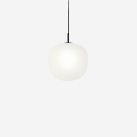 SIMPLE FORM. - Muuto - Rime Pendant Ø25cm Black by Muuto - Pendant