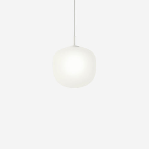 SIMPLE FORM. - Muuto - Rime Pendant Ø25cm White by Muuto - Pendant