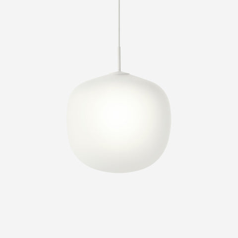 SIMPLE FORM. - Muuto - Rime Pendant Ø45cm White by Muuto - Pendant