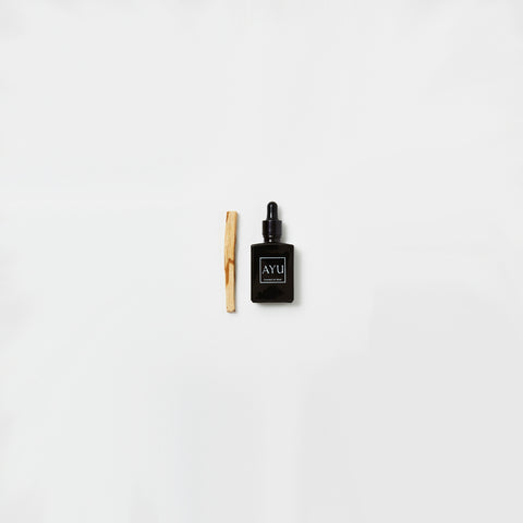 Ayu - White Oudh Perfume Oil 15ml - Perfume Oil  SIMPLE FORM.