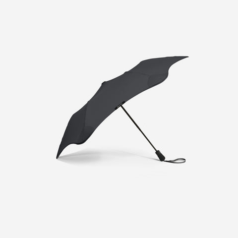 SIMPLE FORM. - Blunt Umbrella - Metro Black Umbrella - Umbrella
