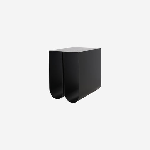 SIMPLE FORM. - Kristina Dam - Curved Side Table Black - Table
