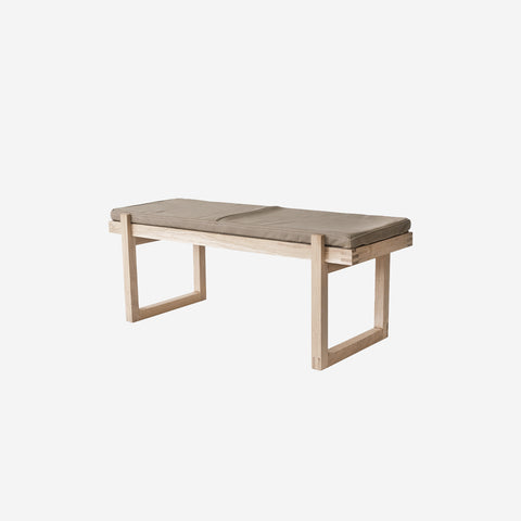 SIMPLE FORM. - Kristina Dam - Minimal Leather Bench - Design object