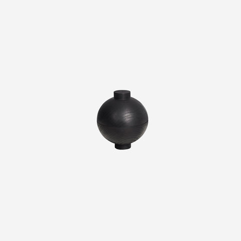 Kristina Dam - Kristina Dam Wooden Sphere Black - Design object  SIMPLE FORM.
