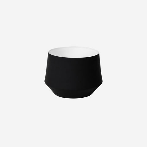 Middle of Nowhere - Samso Planter Black Large - Pot  SIMPLE FORM.