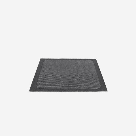 SIMPLE FORM. - Muuto - Pebble Rug Dark Grey 240x170cm - Rug