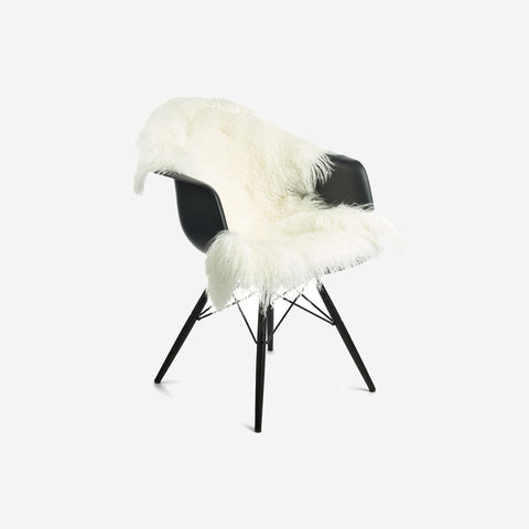 SIMPLE FORM.-Natures Collection Tibetan Sheepskin Ivory White Sheepskin
