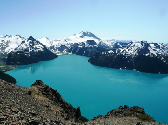 5 Amazing Day Hikes In Vancouver, BC This Summer!