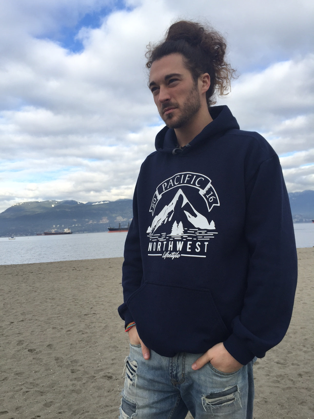 827b63b0 Pacific NorthWest Vintage Mountain Hoodie – Pacific NorthWest Lifestyle