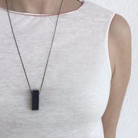 Rectangle necklace black
