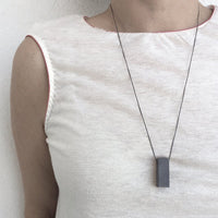 Rectangle necklace grey