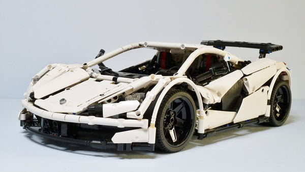 MOC 4562 ICARUS Supercar - Your World of Building Blocks